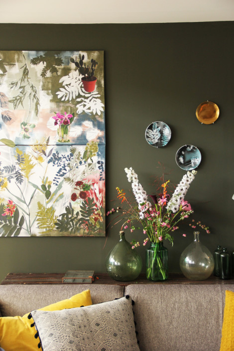 nya-interieurontwerp-donkere-kleuren-fris-kleurgebruik