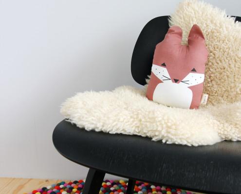 Nya Interieurontwerp bovenverdieping babykamer stoel